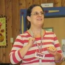Lara Ravitch presenting in Russian language classroom